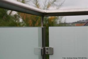 Edelstahlgeländer mit Glas- und Lochblechfüllung Fabr. Andreas König TOR-METALL