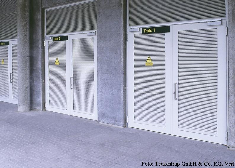 Mehrzwecktür Fabrikat Teckentrup - dw 42 - mit Trafogitter